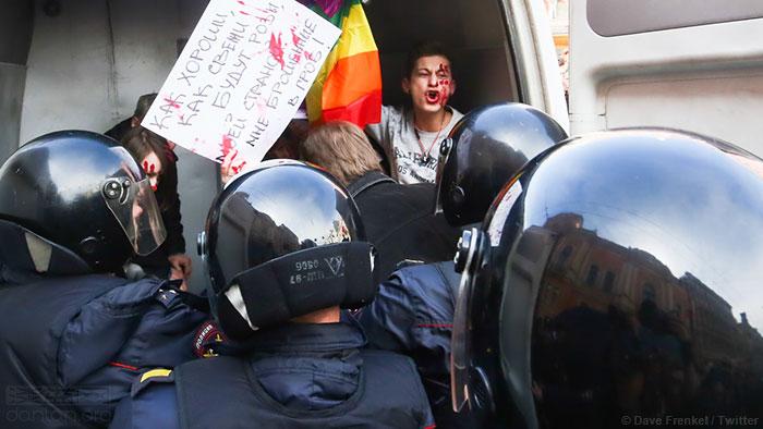 默克尔敦促普京保护车臣同性恋群体