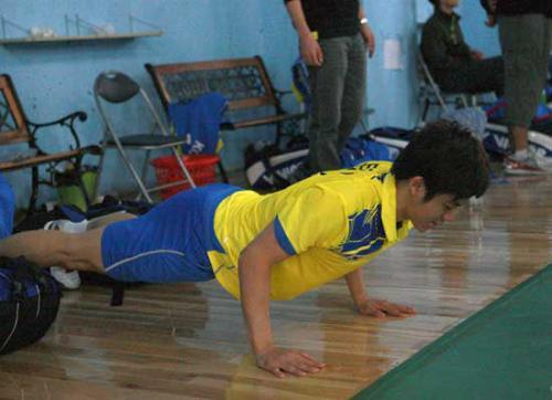 俯卧撑能练出胸肌?4种练习方式送给你,助你变成胸肌男