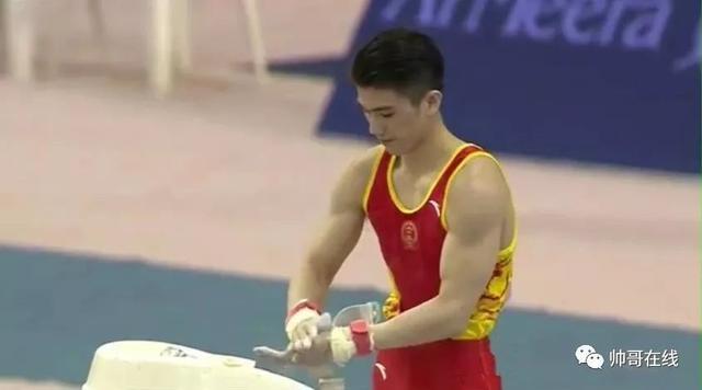 肌肉体操帅哥纪练深火了,萌脸小奶狗有颜有实力~