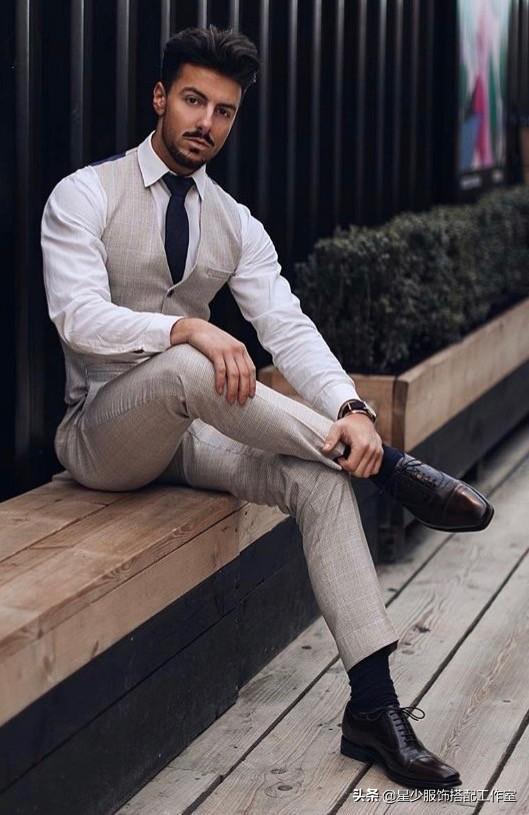 男人冻龄并不难,只差管理这3点:身材,衣品,相貌