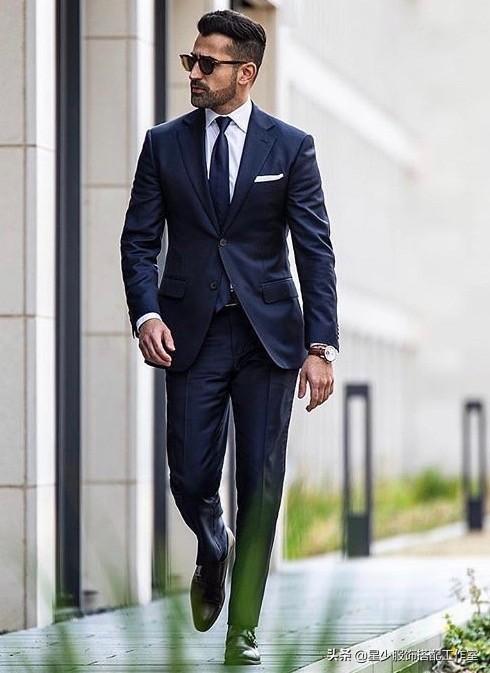 男人个子矮,穿西装没气场?根据肤色选颜色,显高且出挑