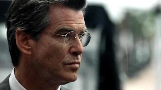 '007'Pierce Brosnan 的LINDBERG2000 Spirit